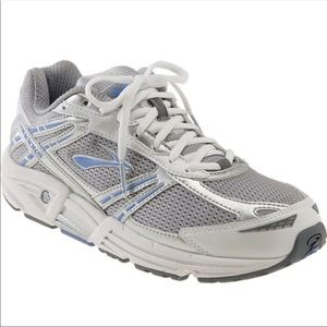 Brooks Addiction Mogo Running Sneakers